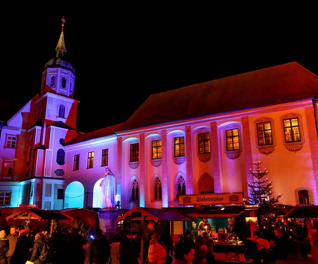 Weihnachtsmarkt Freising Lichtstimmung Event Hausbeleuchtung