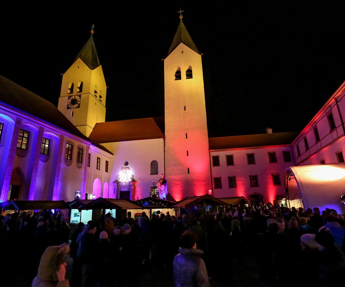 Weihnachtsmarkt Freising Licht und Buehnentechnik Musikhighlight