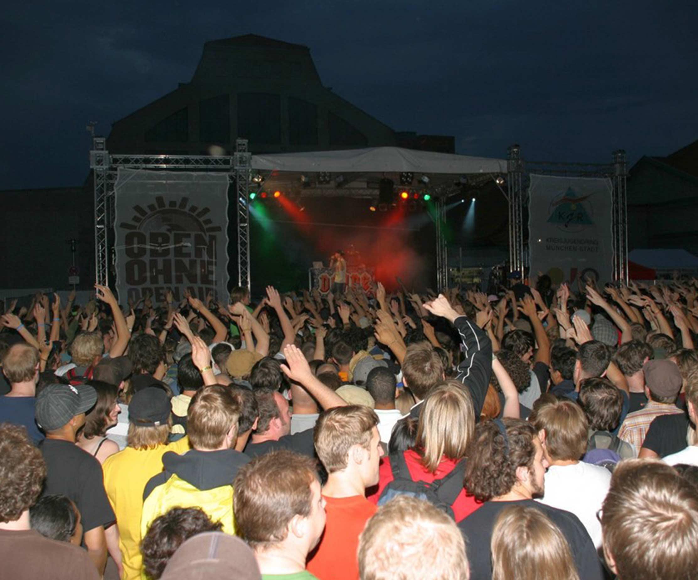 Oben Ohne Festival Muenchen Live Veranstaltung Besucher
